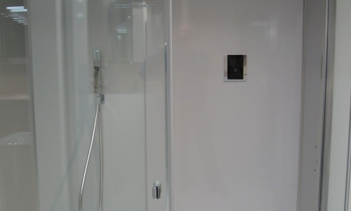 Tres touch shower
